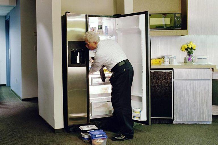 Hoe verhuis ik mijn koelkast?